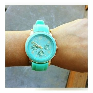 Accessories - Rubber mint watch with gold plating - New!
